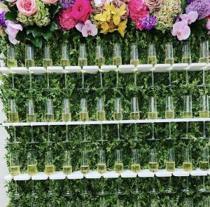 Champagne wall (flowers)